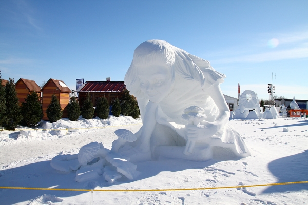 Quebec_Snow_Sculpture_12